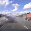 事故映像からまなぶ緊急回避や車の選び方【閲覧注意】